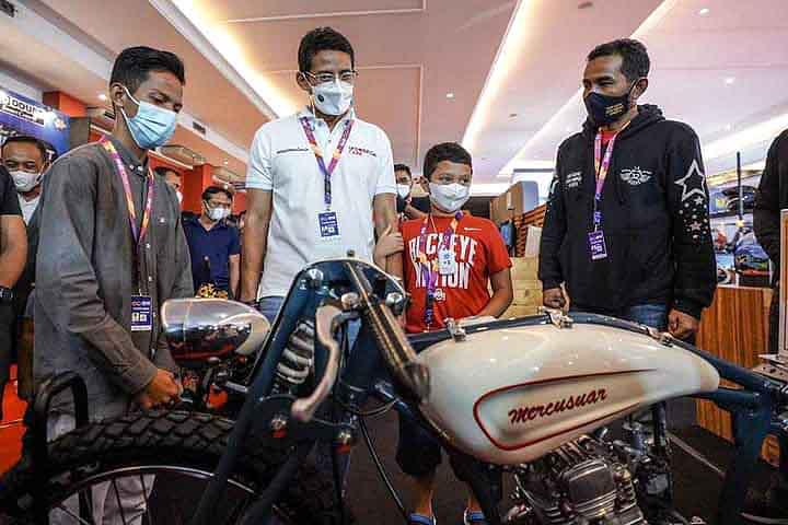 Di IIMS Hybrid 2021, Bang Sandi Ajak Komunitas Motor Promosi Wisata Indonesia