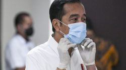 Jokowi:  Bukti Vaksinasi Syarat Masuk Tempat Umum