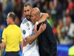 Zidane Dukung Karim Benzema Menangkan Ballon d'Or Tahun Ini